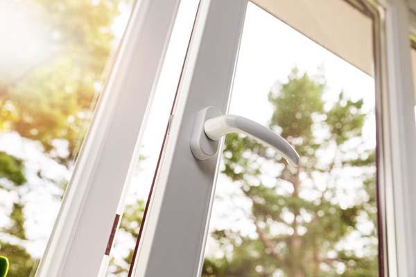 Comment appliquer du talc sur des joints d'étanchéité d'une fenêtre