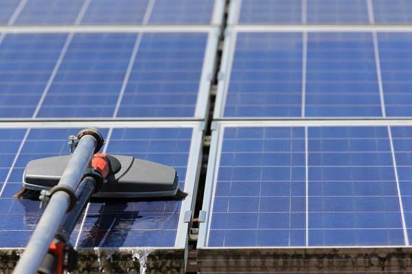 Comment nettoyer les modules d'un panneau photovoltaïque