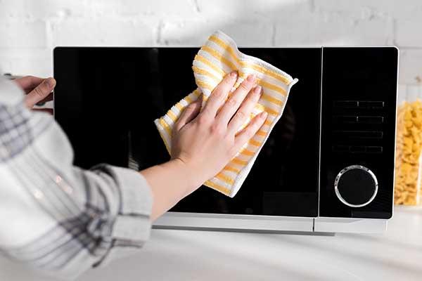 Comment nettoyer un micro-onde