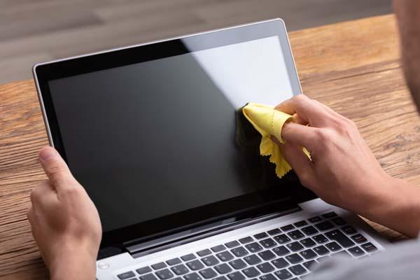 Comment nettoyer un ordinateur portable